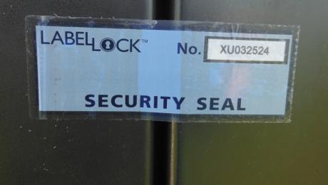 Защитен етикет без остатъчна следа